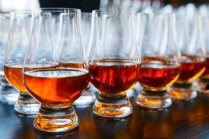 Whiskey Tasting beim Junggesellenabschied für Männer