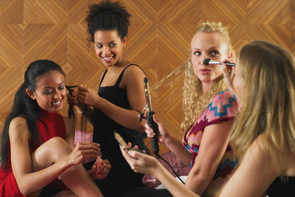 JGA Ideen Frauen - Make-Up Party oder Styling Party