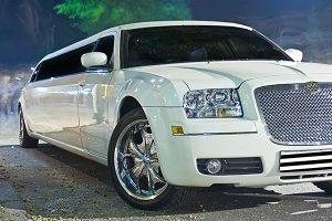 Idee für den Junggesellenabschied: Limousine für Partyfahrt mieten