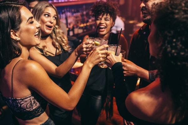 Pub Crawl als Idee für den Junggesellinnenabschied