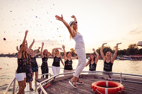 Junggesellenabschied Frankfurt - Partyboot beim JGA